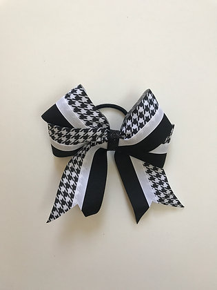 Bow In Black and White