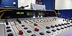 mesa de áudio.jpg