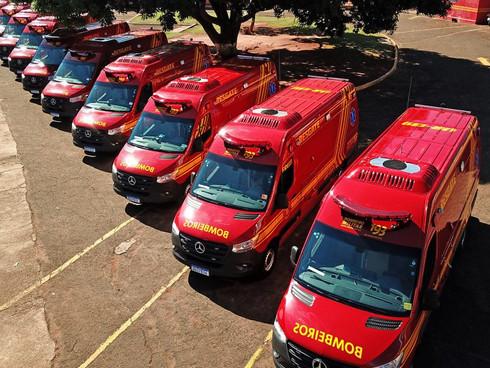 Governador entrega 10 viaturas de resgate para o Corpo de Bombeiros