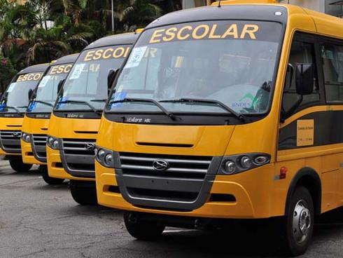 Ministro da Educação vem a MS para entrega de ônibus e inauguração de hospital