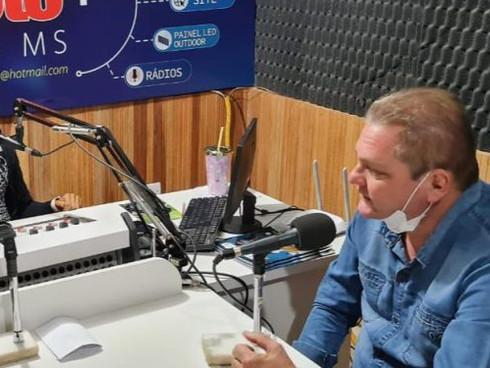 Gustavo Sprotte e sua equipe anunciam novas medidas de contenção da COVID-19 em Bandeirantes