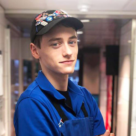 Q&A WITH A DOMINO'S STORE MANAGER – SEAN