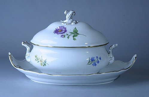 Meissen Soup Tureen w/matching Tray