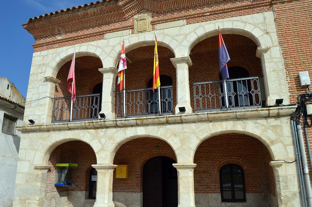 Casa Consistorial de Alcazarén.