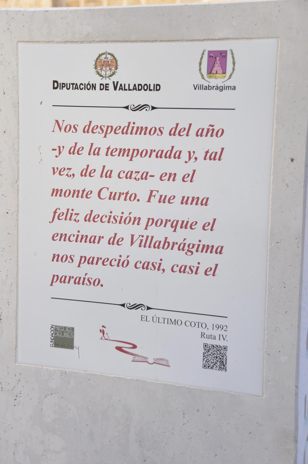 Texto de Miguel Delibes en el monolito en Villabrágima