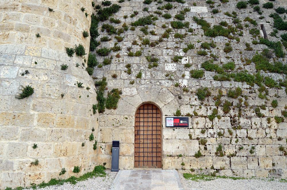 Puerta entrada Castillo de los Sarmiento