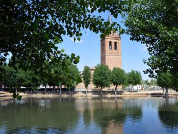 La torre de la iglesia de Donjimeno, fiel reflejo del mudéjar en La Moraña