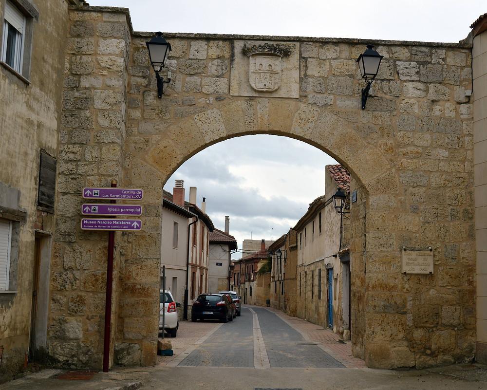 Puerta de Fuentes de Valdepero