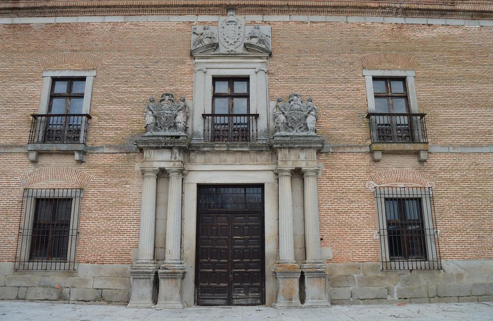 Fachada del Palacio del Cardenal Espinosa.