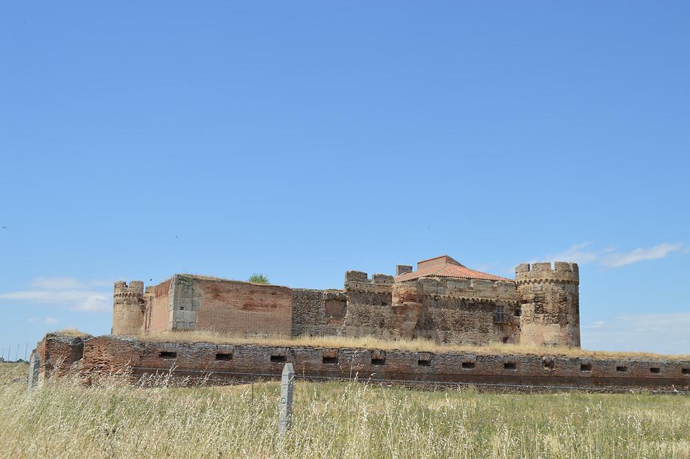 Castillo de Castronuevo en Rivilla de Barajas.