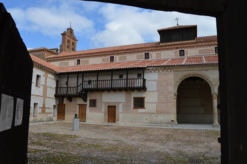 Palacio de Juan II, actual convento de Nuestra Señora de Gracia.