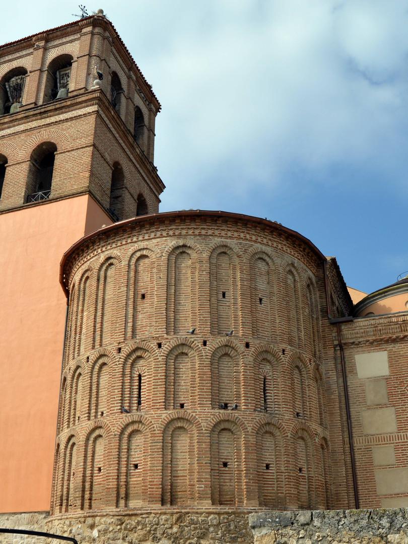Iglesia en Alcazarén