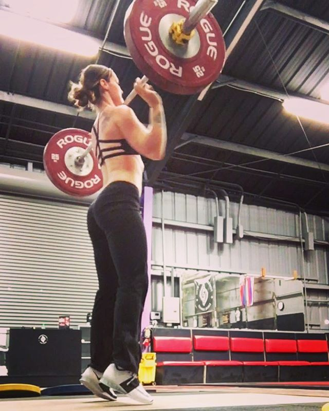 Regrip and get after it 💥  #altiusathletics  #altiusathleticsweightlifting #snatch #cleanandjerk #h