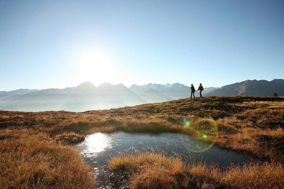 Herbst Wanderung | Berge mit Bergsee