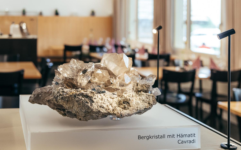 Bergkristall mit Hämatit (Cavradi)