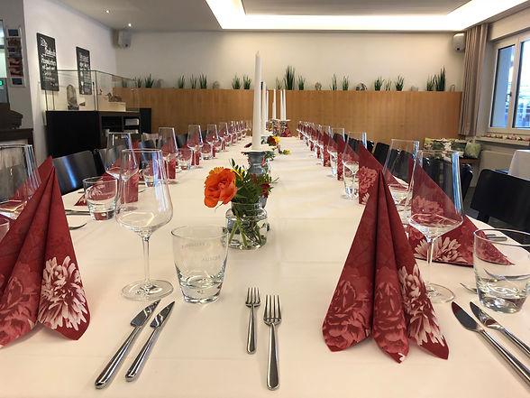 Gedeckter Tisch, Feiern im Restaurant Krüzli Sedrun