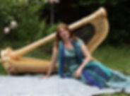 Julia Rosenberger mit Harfe