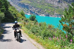 Der Zervreila See in türkis