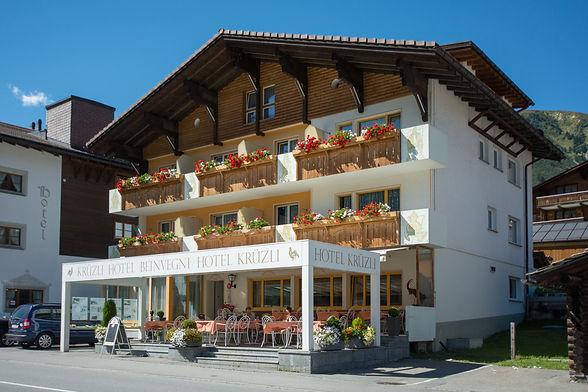 Hotel Krüzli im Sommer