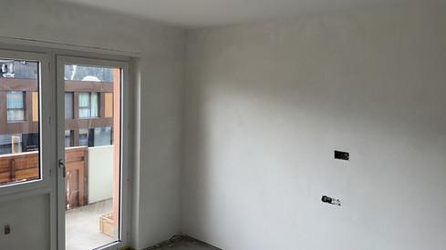 frischer Kalkfeinputz an den Wänden