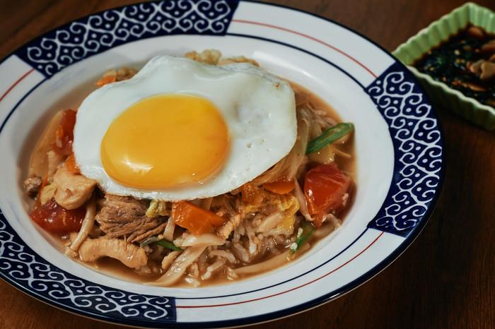 W Bistro Htamin Paung Steamed Rice-min.j