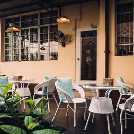 Winner Inn Courtyard Garden Patio Seating 2.jpg