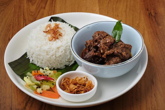 W Bistro Set Menu Mutton Curry-min.jpg