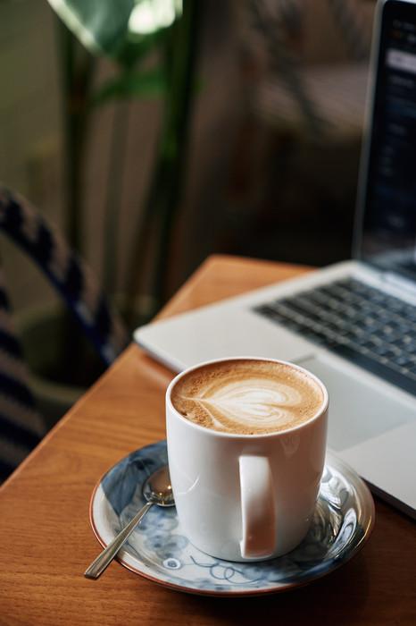 W Bistro Latte 800-min.jpg