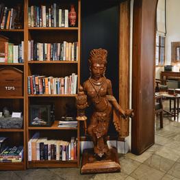 Winner Inn Library