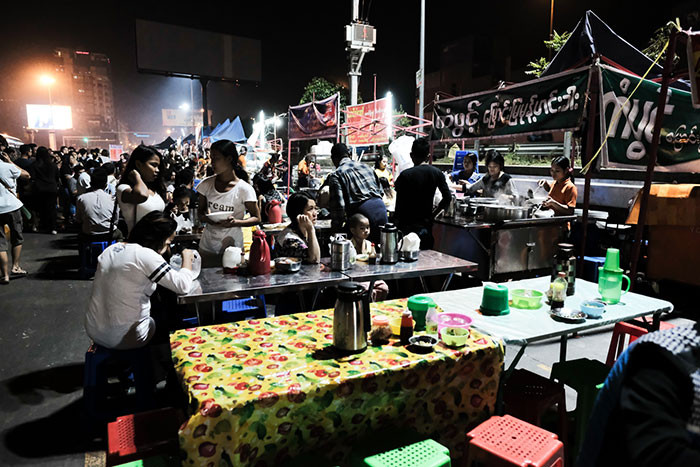 Night market food street vendors