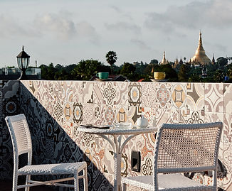 Winner Inn Balcony Shwedagon Pagoda Seat