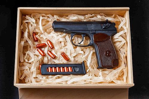 Пистолет Макарова шоколадный