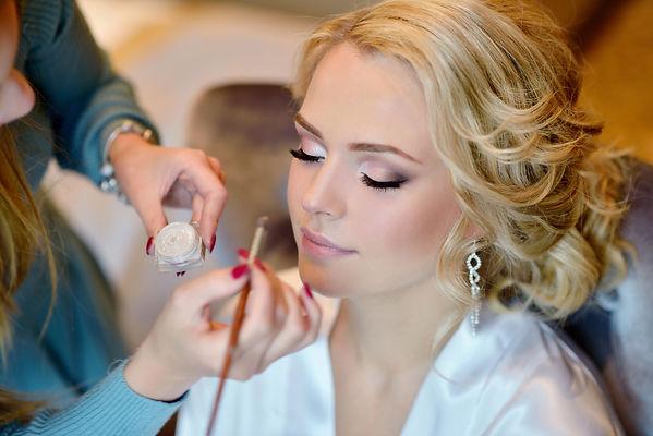 Haute Contour Bonn Braut Styling Bridal Makeup Artist