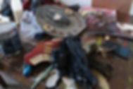 objets récupérés pour une œuvre de Dror Karta, plasticien, en résidence de création à la Villa le Rêve 2016