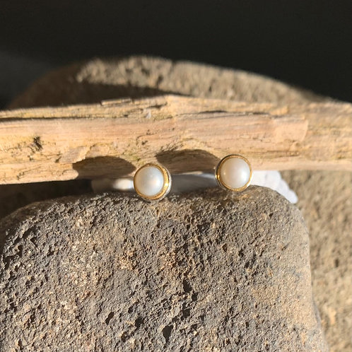 Pearl Gold Studs