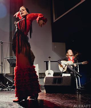 Noa Drezner & Adva Yermiahu
