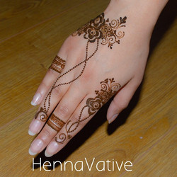 Instagram - Another shot of my previous design upload 😍 love how it turned out #naturalnails #henna