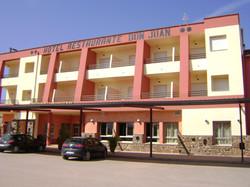 Fachada Hotel Don Juan