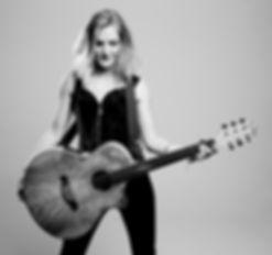 Emmy Rivers- Born2win