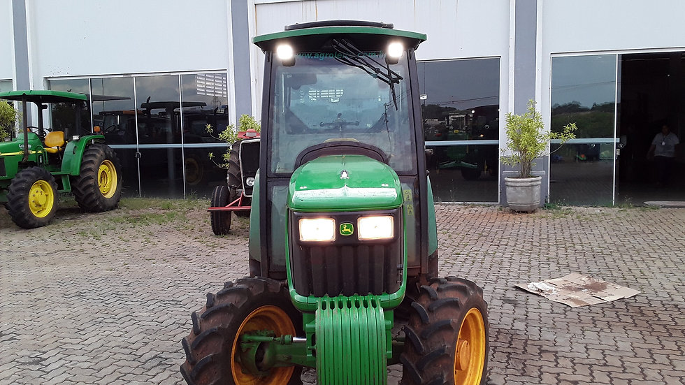 Tractor  JD 5075 EF - 4x4 - Year 2018 -1370 Hours -Coffee Maker
