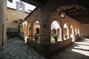 Santuario-della-Foresta-Chiostro.jpg
