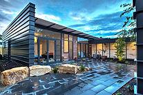 Hackett_industrial_house_courtyard1.jpg