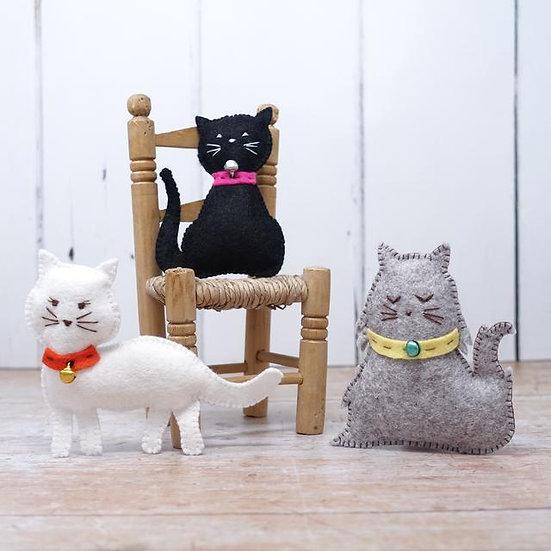 3 Felt Kitties sewing kit