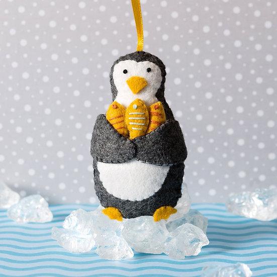 Penguin With Fish Mini Kit