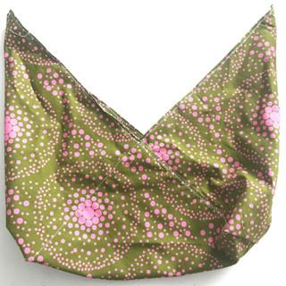 Green and pink bento bag