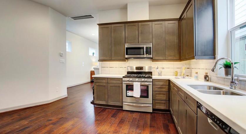 5941 Kansas - Kitchen (9).jpg