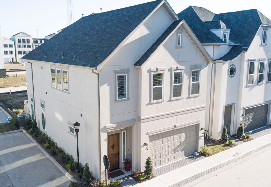 first floor living 10min from downtown houston at Somerset Green