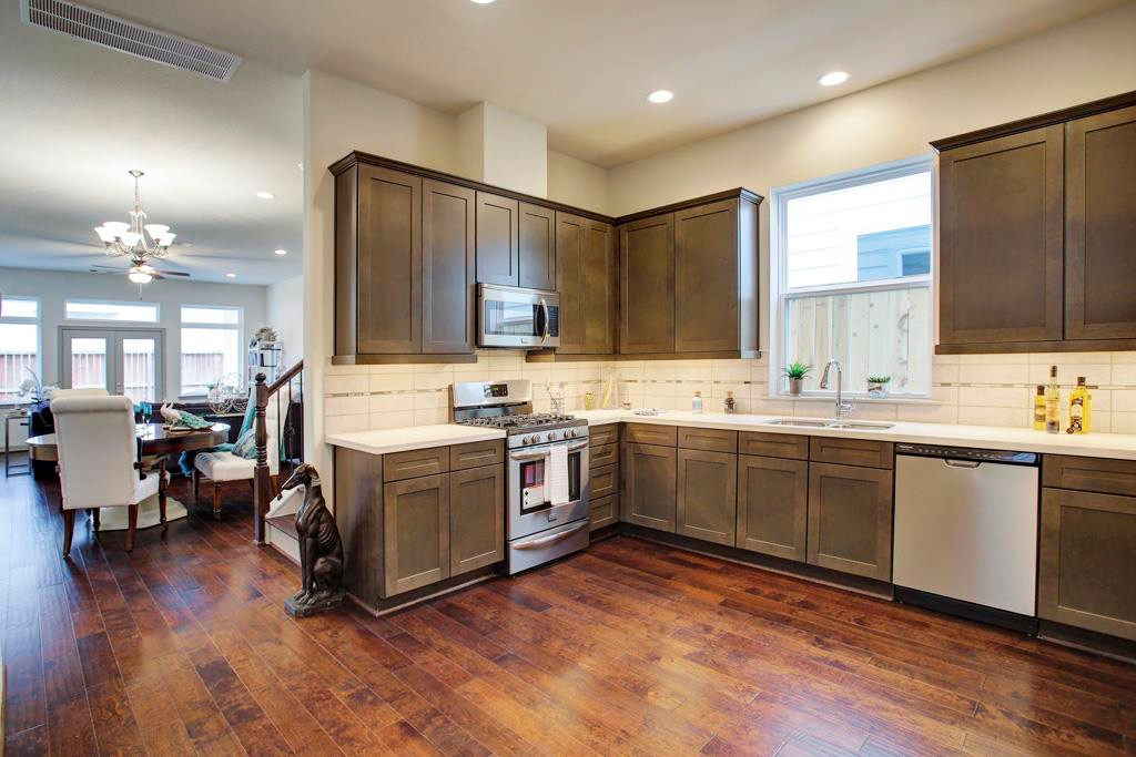 5941 Kansas - Kitchen (8).jpg