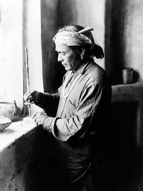 Zuni-Bead-Worker.jpg