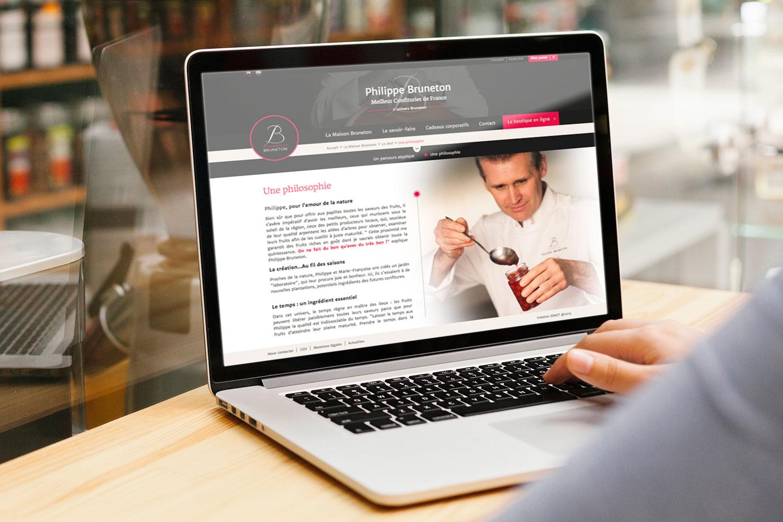Site internet responsive disponible sur smartphone, tablette et ordinateur